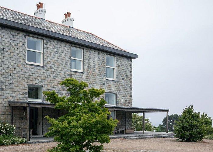 Of land and sea: Coastal House