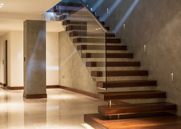 Canal's cantilever staircase is available in a range of endless styles.