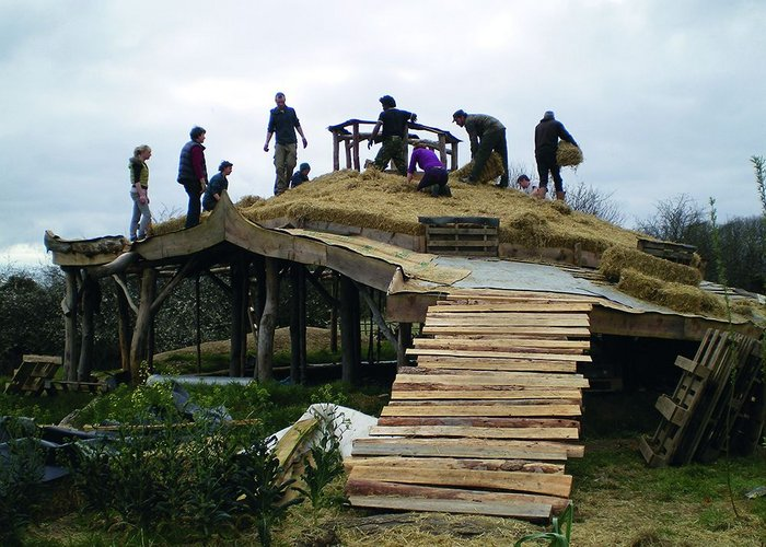 residents working together to insulate a dwellinghouse roof.jpg
