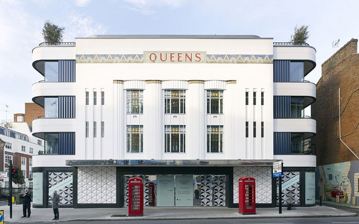 Queen's apartments. Click for more awards