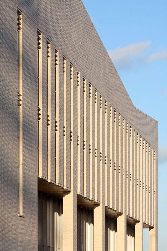 Sir Ludwig Guttmann Health and Wellbeing Centre, Stratford