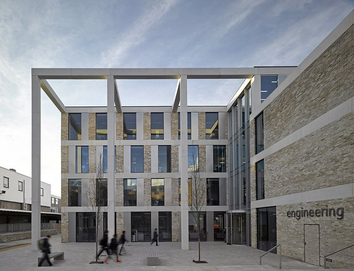 Lancaster University Engineering Building – John McAslan + Partners. Click on image.