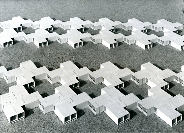 Space units for residential buildings, designed by industrialised building students Bernd Meurer and Willi Ramstein, 1961. Instructor: Herbert Ohl. Photo by Roland Fürst, courtesy HfG-Archiv/Ulmer Museum.