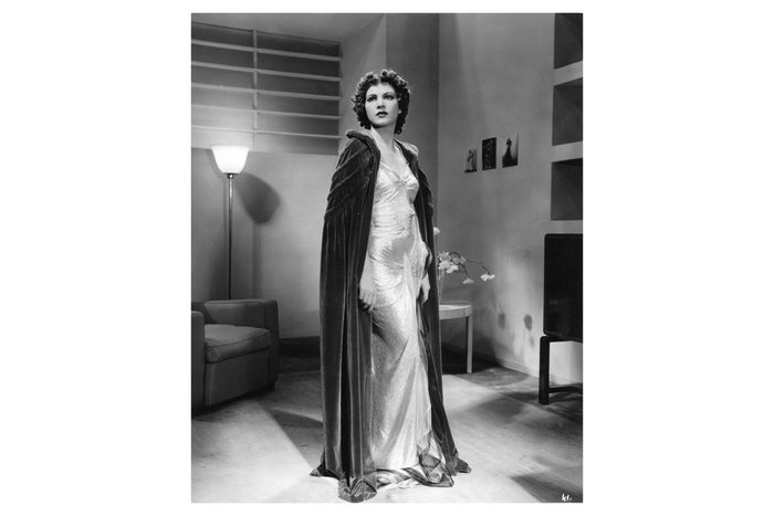 Luisa Ferida in a publicity shot for the film L'argine (The Embankment; Dir. Corrado D'Errico, 1938). Set design by Carlo Enrico Rava and Salvo D'Angelo Gelatin silver print on paper 30 x 23.5 cm
