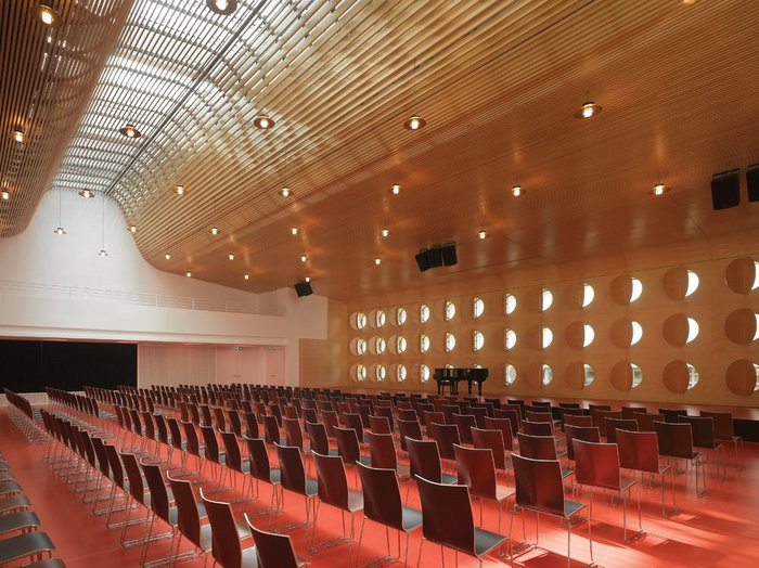 The main synod hall, lined in birch, has an Aalto-esque feel.
