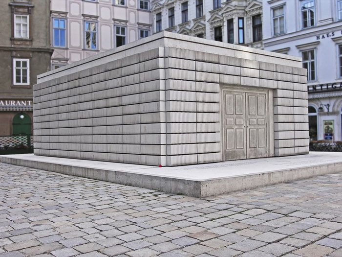 Rachel Whiteread's Nameless Library at Judenplatz, Vienna, is a concrete cast of a hermetically sealed room.