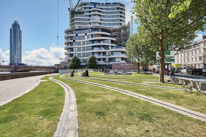 Riverwalk east elevation, its sinuous cladding referencing the Thames' curves.