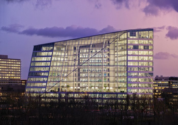 PLP Architects' Edge building in Amsterdam for client Deloitte is, according to Bloomberg, 'The world's smartest building'.