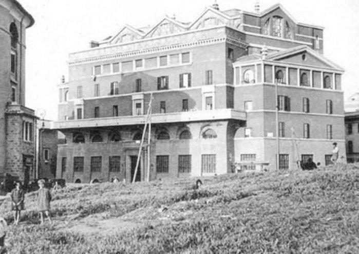 Edificio ICP per Bagni Pubblici, Piazza Romano, 1926-29