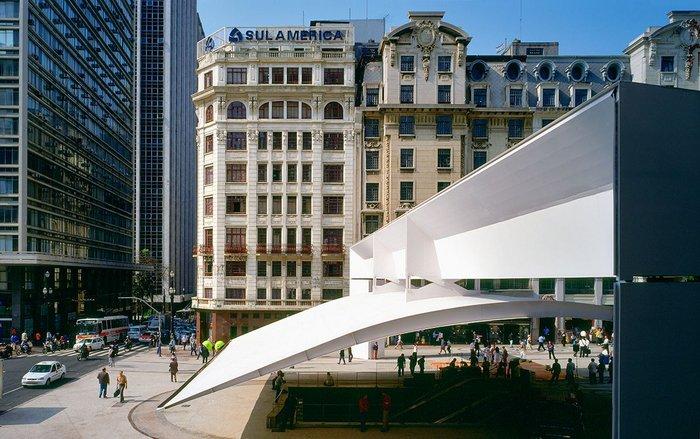 Steel canopy Patriach Plaza, São Paulo.