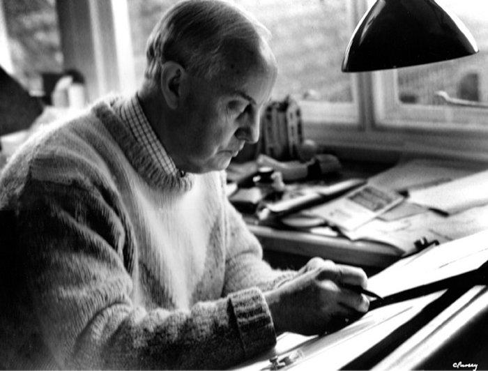 Tom Manning 1924-2013