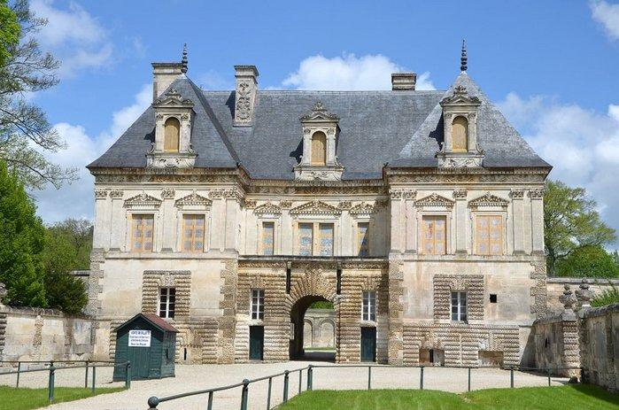 Petit Chateau de Tanlay,  Pierre Le Muet.