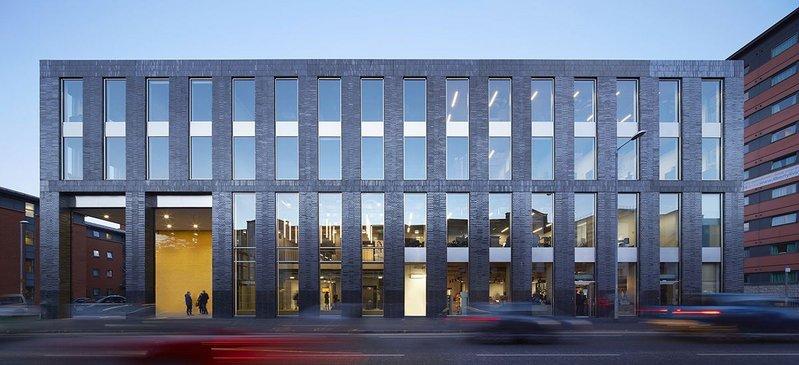Manchester Metropolitan University Student Union – Feilden Clegg Bradley Studios. Click on image.