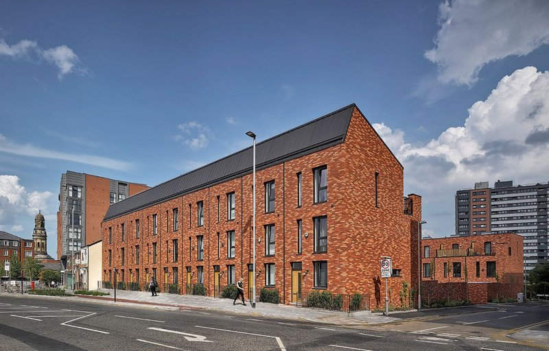 Carpino Place facing Oldfield Road. High inflation between the projects meant that although construction costs at Carpino were higher, the finishes are lower quality.