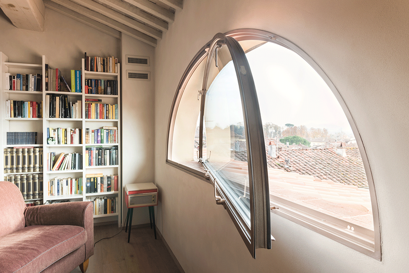 The  Crittall T60 - a highly innovative thermally broken steel window and door system.
