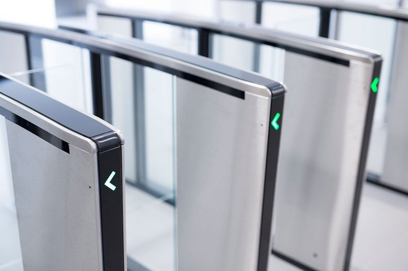 The turnstiles can seamlessly guide large groups of people safely through the physical security barrier using intuitive sensors.