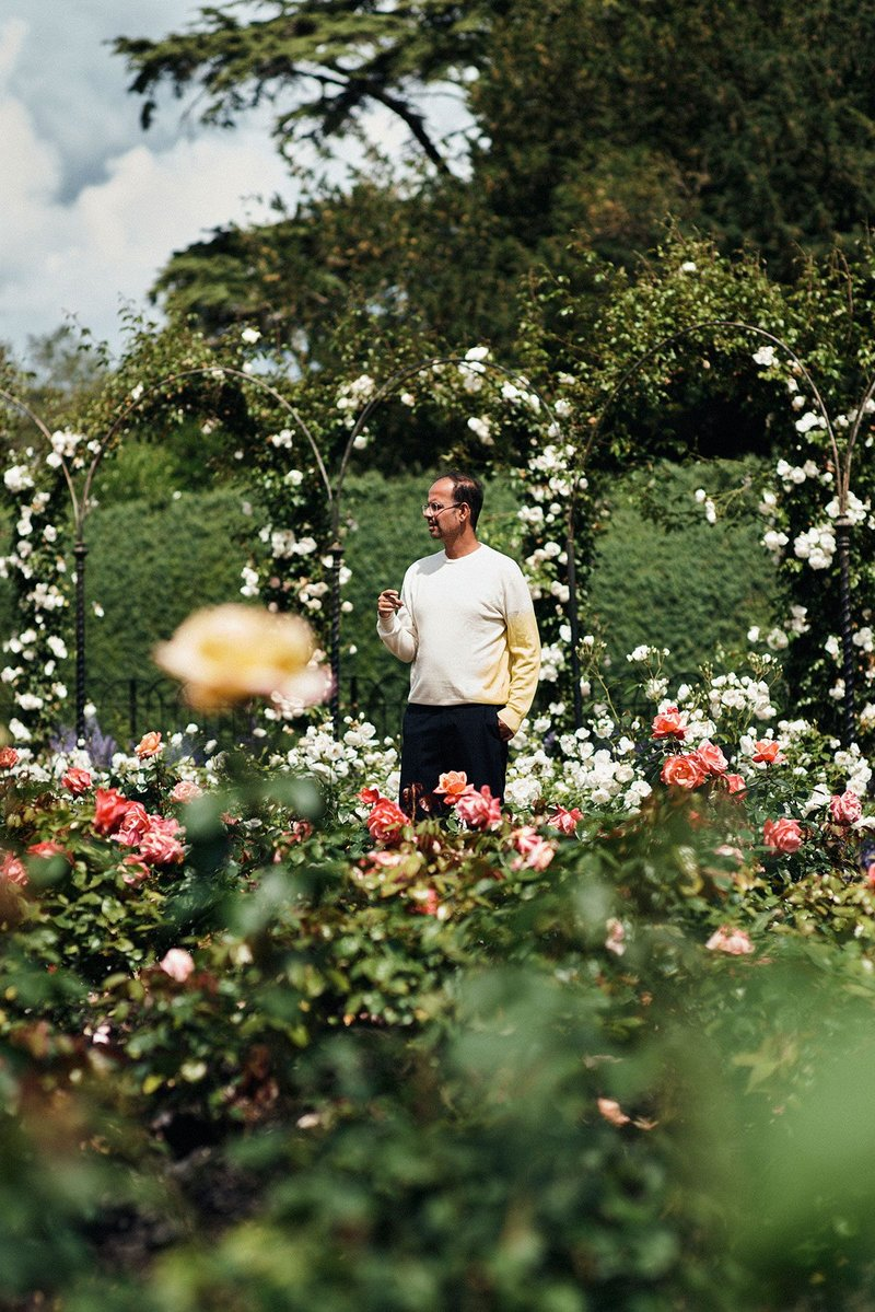 Artist Tino Sehgal in the Rose Garden at Blenheim.