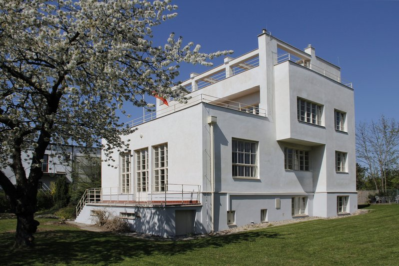 There will be a live streamed tour of Adolf Loos' Villa Winternitz.