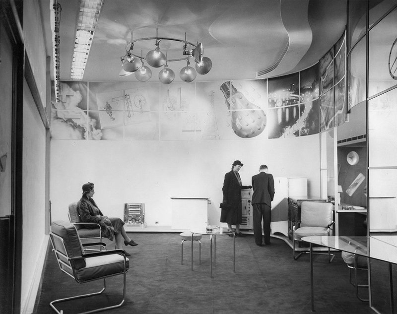 Electricity Showroom, Regent Street, London, 1938, with photo-murals by László Moholy-Nagy