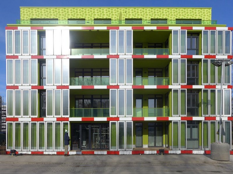 Solar Leaf, the world's first bioreactive facade.