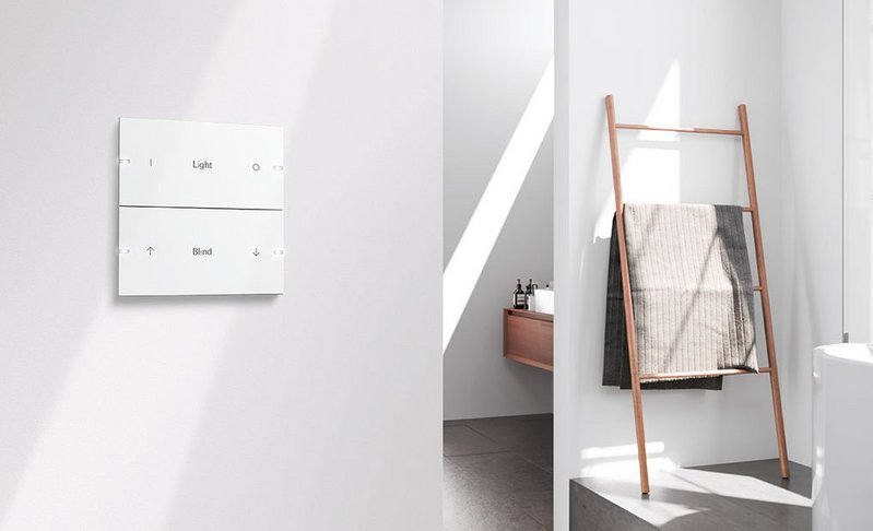 The light switch reimagined: The Gira Pushbutton Sensor 4 can control light and light scenes, blinds, room temperature, entertainment and more.