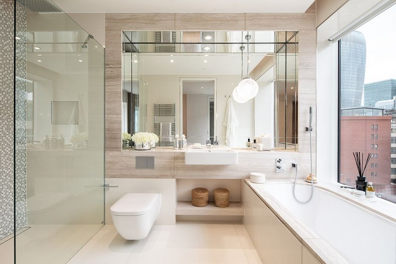 Kaldewei Classic Duo bath in a Sugar Quay master bathroom in Landmark Place, London. The residential building also features Kaldewei Puro baths.