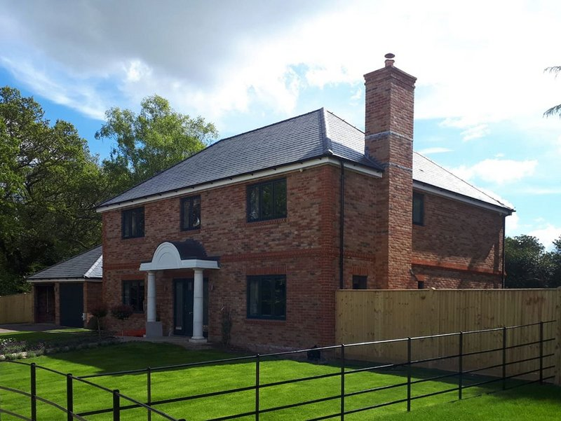 Cupa Pizarras slate roof at Stacklands Retreat in Kent: hook fixing can have many advantages, such as reduced labour costs, fewer breakages and a simpler replacement process.