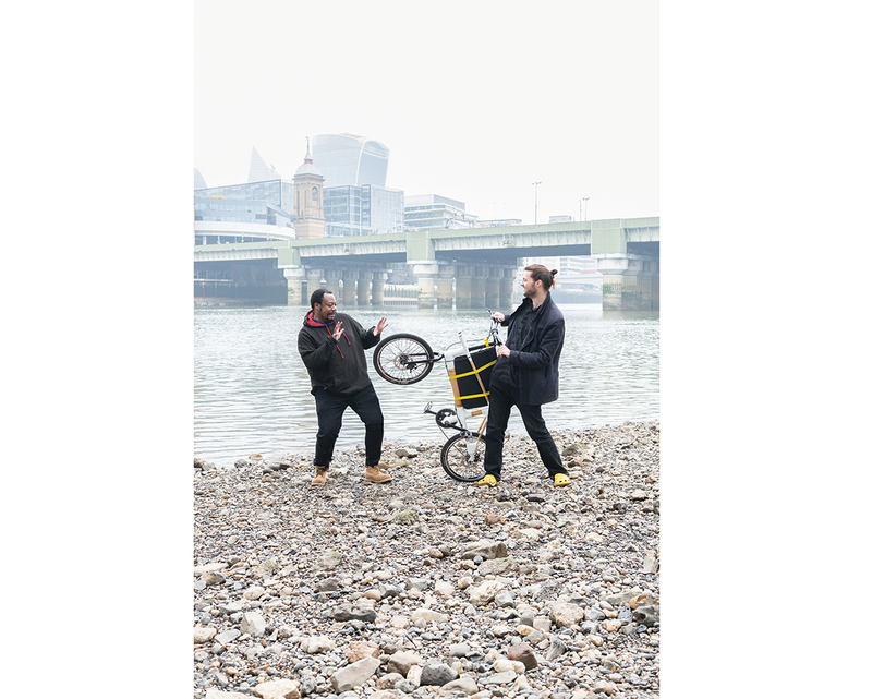 Bongani Muchemwa and Steve McCloy with the bamboo-framed bike they designed – and which McCloy cycled down to the Thames shoot.