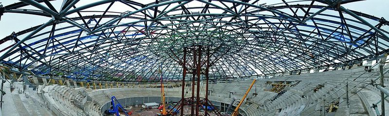Wide-angle view of the Hydro's steel frame roof structure. Once the Kalzip roof has been added, the four steel trestles in the centre will be removed.
