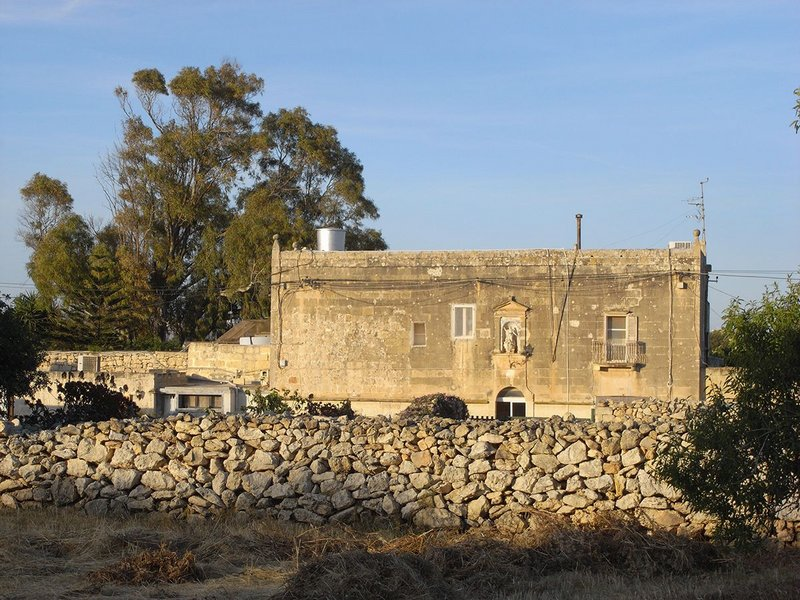 Exterior view of Pasmore's home Dar Gamri on Malta.