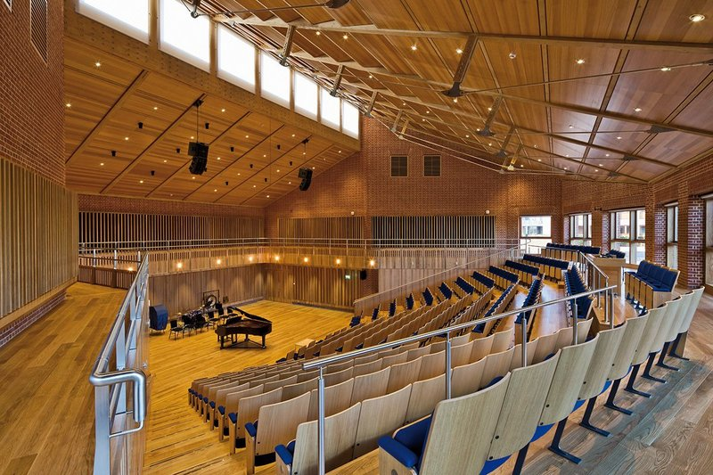 The auditorium is harmonious, both visually and musically.