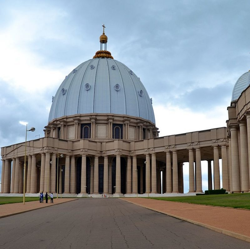 Basilica of Our Lady of Peace, Yamoussoukro, Ivory Coast; Pierre Fakhoury, 1985-90