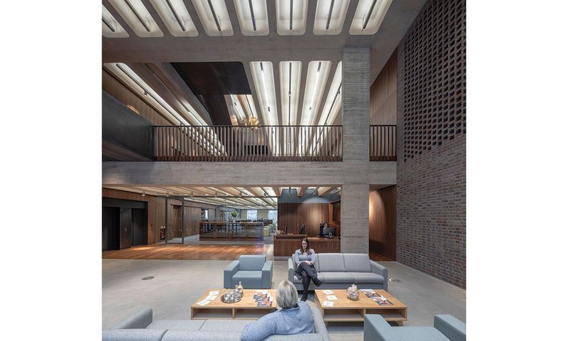 The concrete soffits at Bennetts Associates' Royal College of Pathologists are not only elegant – they contribute to the building performance too.