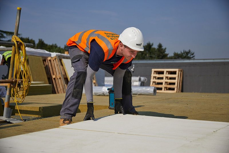 Cobham Free School in Elmbridge, Surrey: Over 2,000 square metres of Rockwool Hardrock Multi Fix (DD) flat roof insulation.