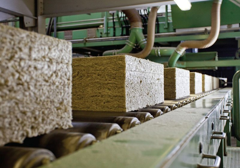 Cut to various lengths and thicknesses, the stone wool is prepared and packaged to form an extensive range of Rockwool and Rockpanel products for a variety of insulation and cladding applications.