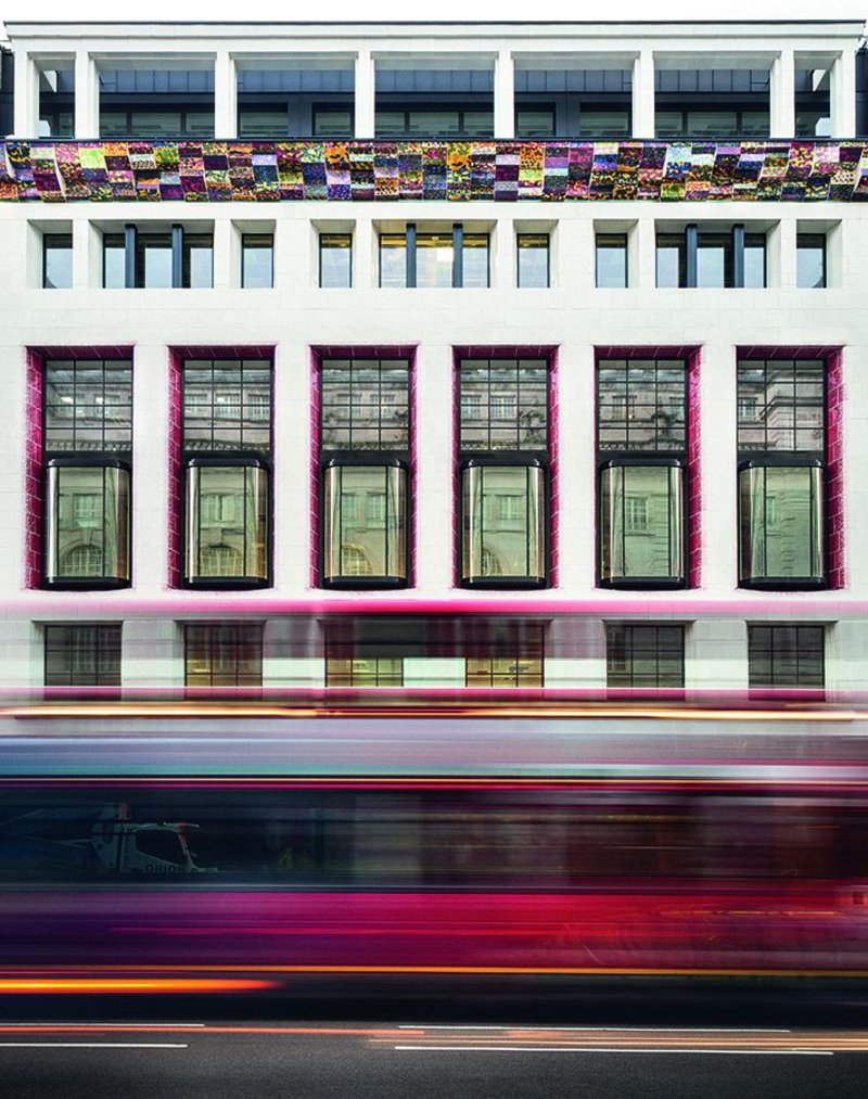 The spray effect on the window reveals appears as just an accent from directly in front of the Piccadilly facade, but there is no getting away from the riot of colour that is the cornice.