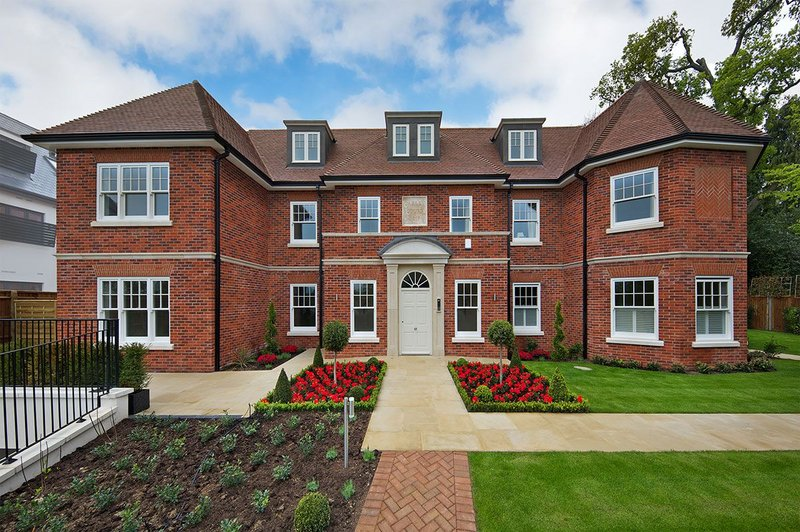 Warm and cosy: Recticel's Eurowall+ insulation board was specified for Mentmore Homes' Gerrards Cross residential development in Buckinghamshire.