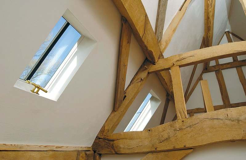 Five CR-13 and two CR-8 Conservation Rooflights were specified for the conversion of 17th-century oak-framed Vokins Barn.