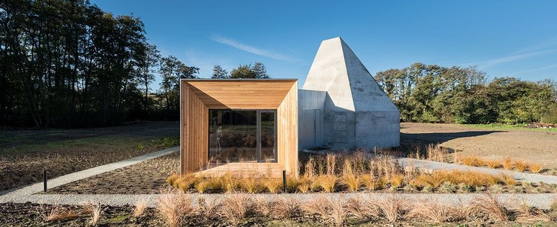 Designed by Guy Hollaway Architects for artist Nick Veasey, the Process Gallery is a redevelopment of a pig shed in the Kent countryside.