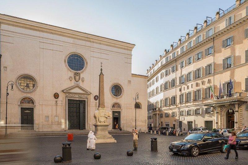 DL Piazza della Minerva, Rome