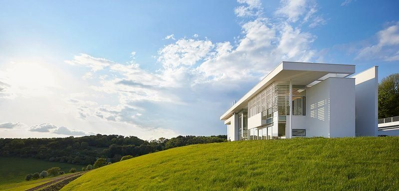 Berman Guedes Stretton worked with Richard Meier on this RIBA award-winning house in Oxfordshire.