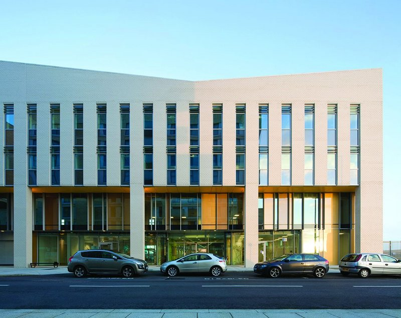 Sir Ludwig Guttmann Health and Wellbeing Centre, Stratford