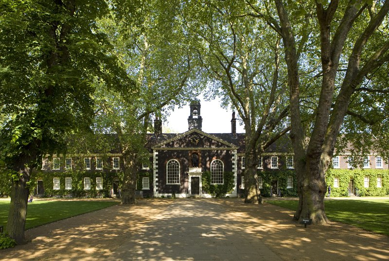The Museum of the Home is set in the Geffrye almshouses, Grade 1 listed 18th century buildings and gardens in Hackney. Courtesy of Jane Lloyd
