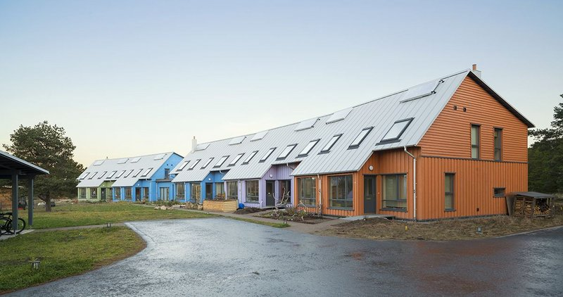 Colorcoat Urban is seven times lighter than standard roof tiles and a great choice for new-builds, refurbishments or extensions. All sorts of shapes can be achieved for stunning roofs and exteriors.