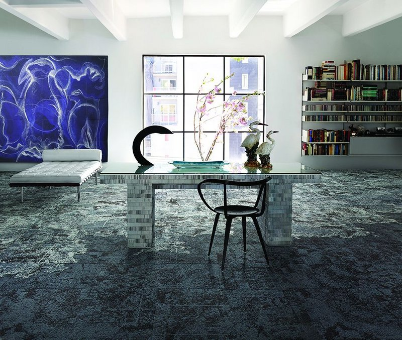 The Net Effect tile replicates the look of the ocean and the set of different tile types can be combined in a multitude of ways, randomly or to create patterns.