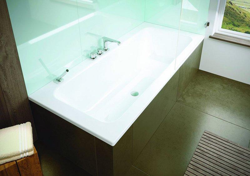 The Puro Set Wide bath from Kaldewei.
