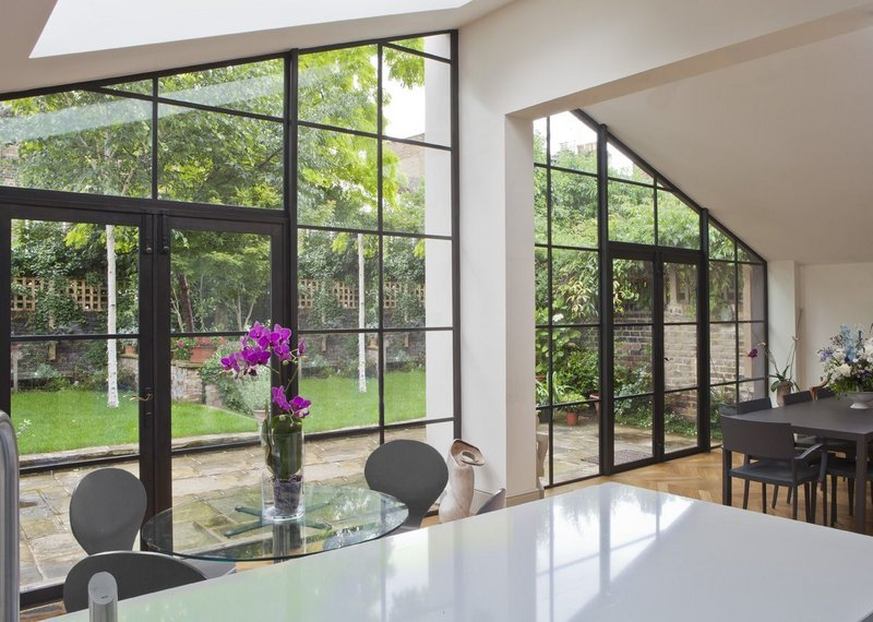 London townhouse featuring bronze screen and double doors by Architectural Bronze Casements.