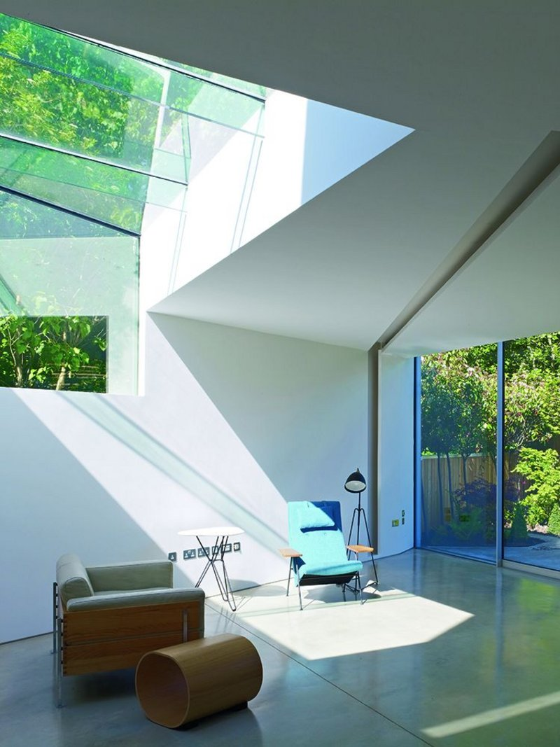 Folded House does just that – it's an exercise in geometry.