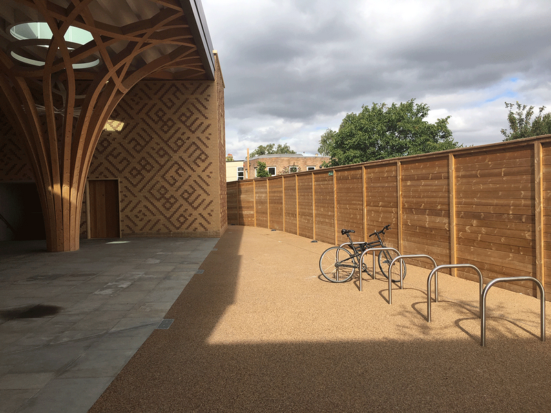 Jacksons' acoustic fencing at Cambridge Central Mosque provides robust security while harmonising with the columns or 'trees' of the interlaced lattice vault structure.