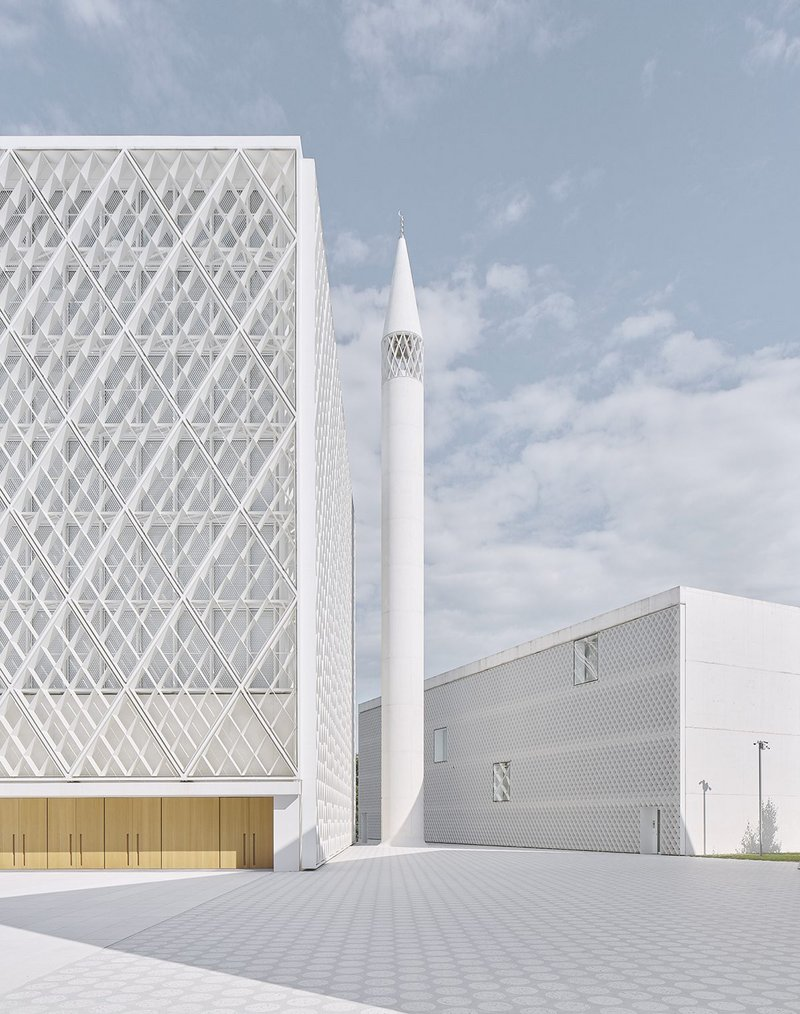 The 40m-tall minaret next to the mosque box – the project transforms a redundant area into a permanent home that establishes the presence of the Islamic community in Ljubljana and for Slovenia as a whole.